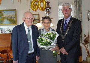 Echtpaar Van Doorn 60 jaar getrouwd