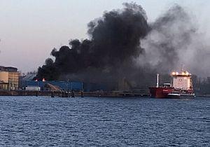 Grote uitslaande brand in Moerdijk