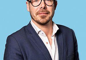 PvdA-Kamerlid Van Dijk op bezoek bij zorginstelling CAVENT