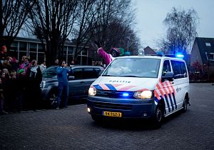 Sint afgeleverd door politie bij De Hoeksteen