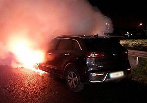 Auto vliegt in brand bij Heienoordtunnel