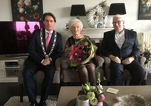 Echtpaar Van Hattem 60 jaar getrouwd