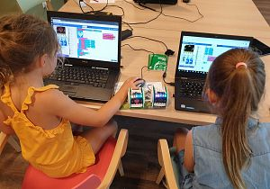 (Leren) programmeren tijdens de CoderDojo van de Bibliotheek Hoeksche Waard!