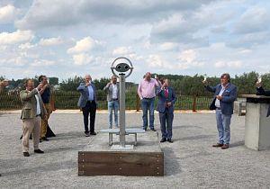 Stichting Ambachtsheerlijkheid Cromstrijen ontvangt mooie panoramakijker