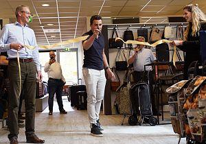 Ouderwets gezellig in Dugros' vernieuwde showroom