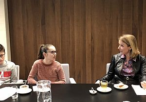 Ilse en Raoul op bezoek bij staatssecretaris