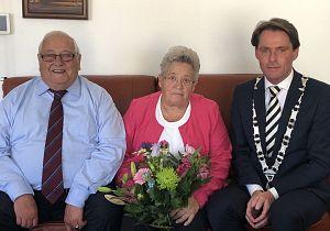 Echtpaar Geesing uit Oud-Beijerland 60 jaar getrouwd