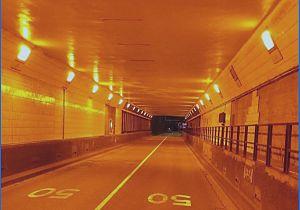 Maastunnel week in beide richtingen dicht