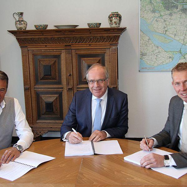 Overeenkomst ontwikkeling woningen Pesanthof Westmaas ondertekend